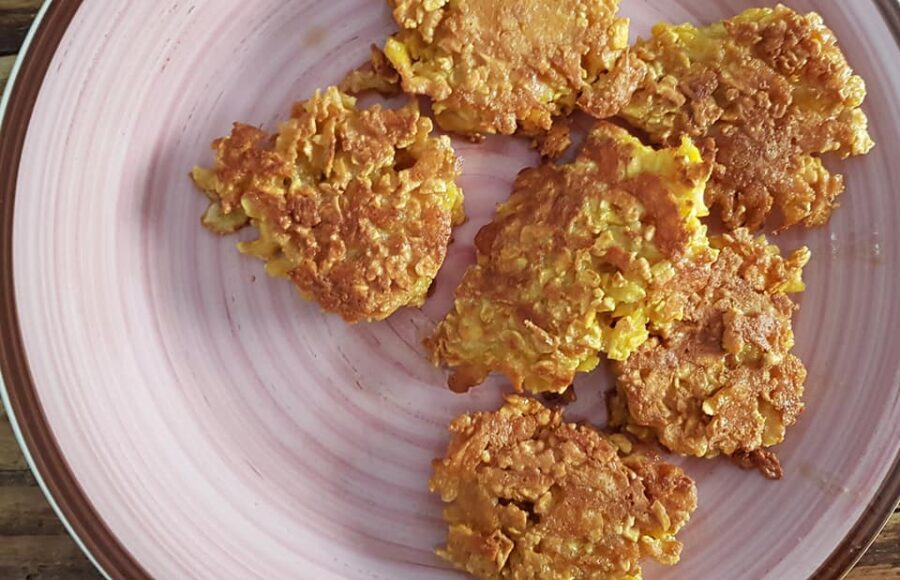 Crocchette ai fiocchi di mais e formaggio
