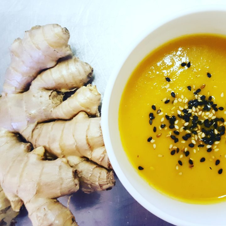 Zuppa speziata di carote