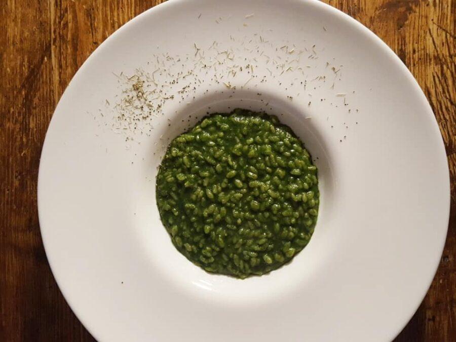 Risotto con ortiche e lemongrass